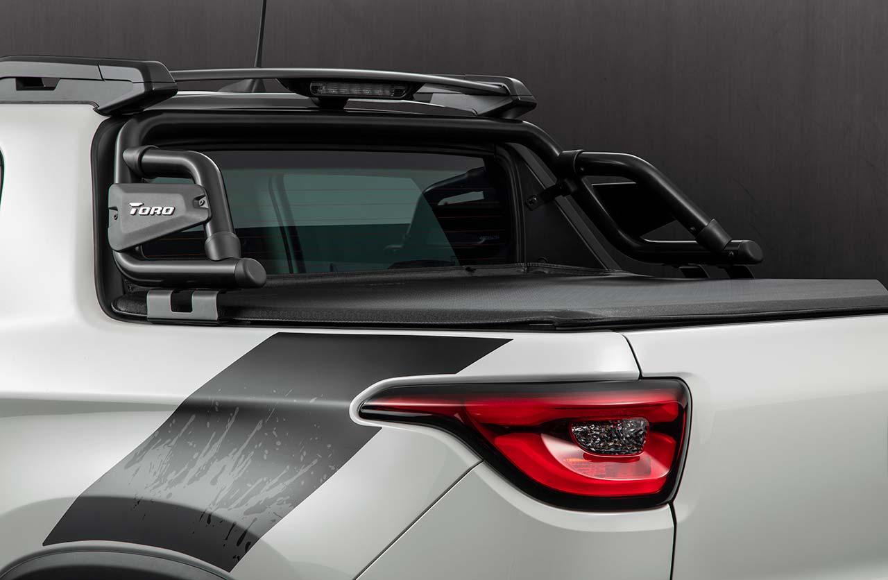 Barra de caja Mopar nueva Fiat Toro