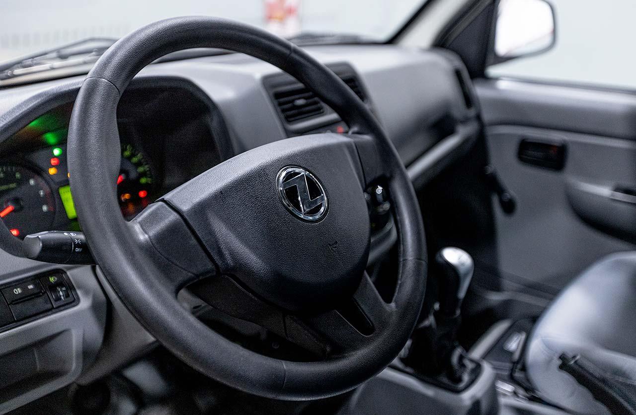 Interior Zanella Z-Truck