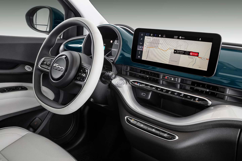 Interior Fiat 500e eléctrico