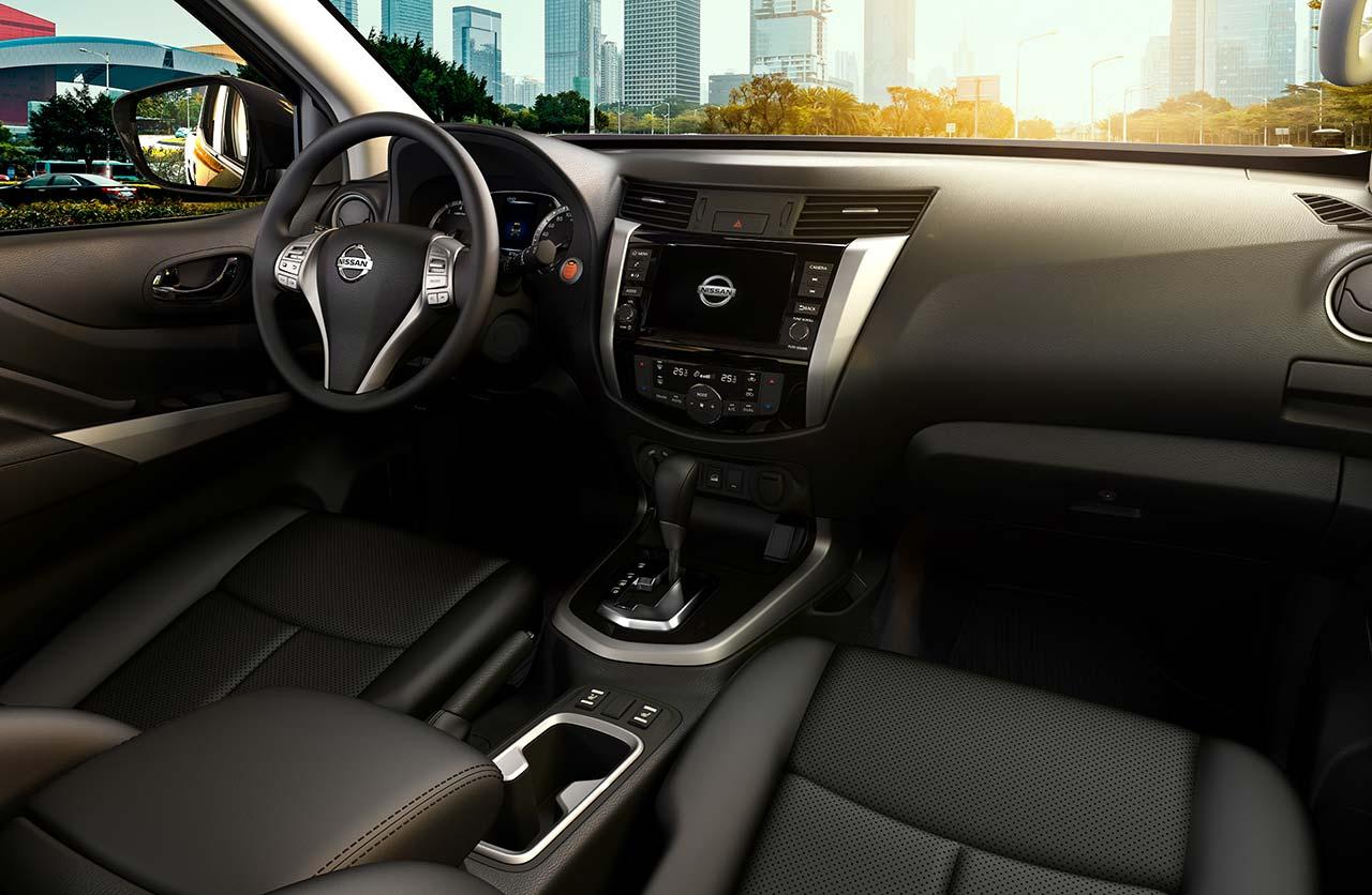 Interior Nissan Frontier X-Gear+